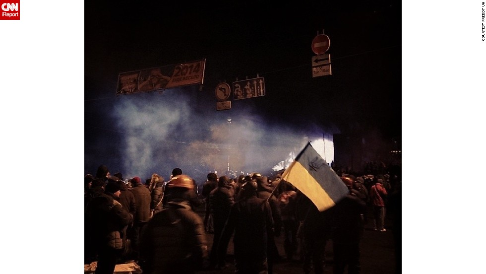 Protests started in reaction to the Ukrainian government's failure to sign a trade agreement with the European Union, which many interpreted as a turn away from Europe and toward Russia instead.