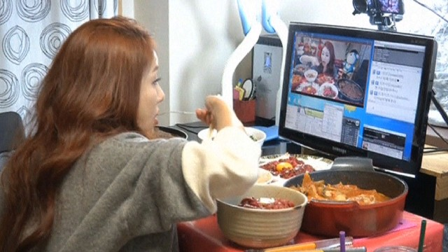 South Koreas Online Trend Paying To Watch A Pretty Girl