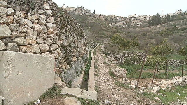 Israeli barrier threatens heritage site