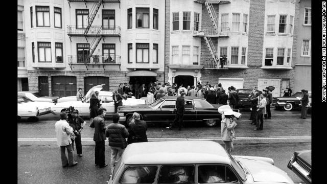 The exterior of the Symbionese Liberation Army house, at 1827 Golden Gate, where Patty Hearst was held in the closet is seen on February 16, 1976