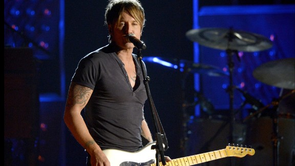 "Keith Urban's Boston-area show was ""nutso,"" the singer said in a video."