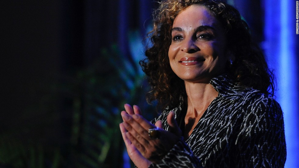 "Jasmine Guy, conocida por su papel como Whitley Gilbert en ""A Different World"", nació de una madre de ascendencia portuguesa y un ministro afroamericano e instructor en Morehouse College."