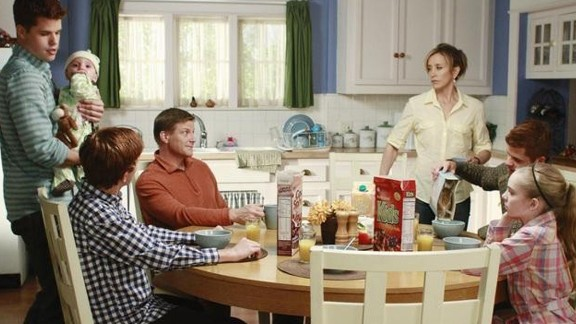 """Felicity Huffman as Lynette Scavo, who worked at an advertising agency and later ran a pizzeria with her husband, in """"Desperate Housewives."""""""