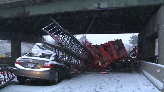 dnt crane on truck derailment crashes into car_00000000.jpg