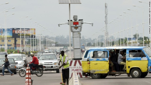 A traffic robot cop on Triomphal boulevard of Kinshasa helps tackle the hectic traffic.