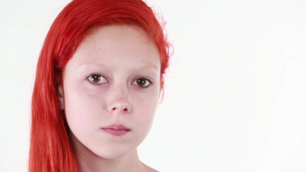 Gallery model redhead