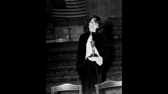 """<strong>Luise Rainer (1938):</strong> For her performance in """"The Good Earth,"""" Luise Rainer won the best actress Oscar for the second consecutive year."""