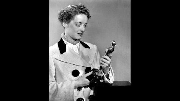 """<strong>Bette Davis (1939):</strong> Bette Davis won her second Oscar in 1939, this time for """"Jezebel."""""""