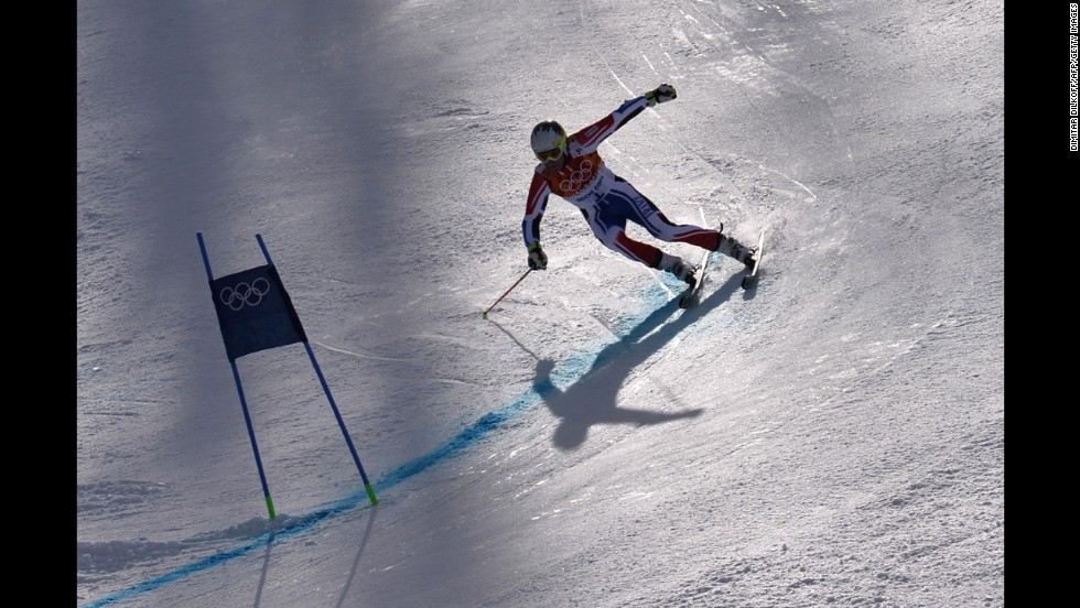 France's Alexis Pinturault competes in the men's giant slalom.