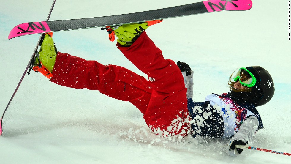 Brita Sigourney of the United States crashes in the women's halfpipe on February 20.