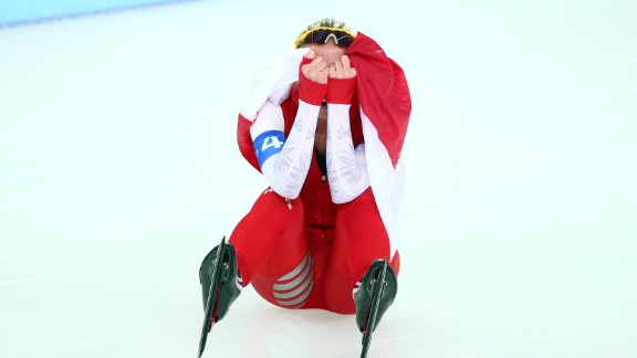 Luiza Zlotkowska reacts after Poland