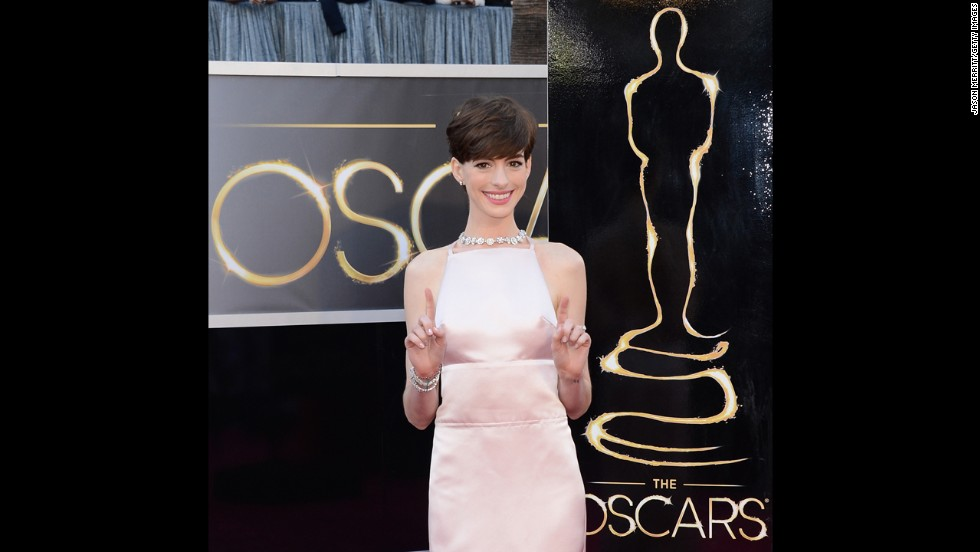 Anne Hathaway was obviously going for elegance at the 2013 Oscars, but due to some unfortunate tailoring -- or the weather, we're still not entirely sure -- she spent the evening looking like she needed a pair of pasties.