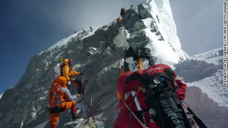 4 climbers die in 4 days on Mount Everest