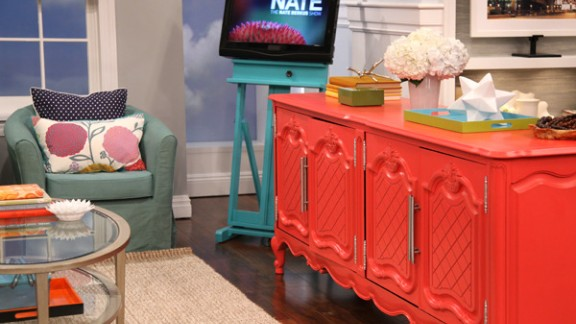 """Rashon Carraway designed a """"preppy chic"""" room on the Nate Berkus show using thrift store finds."""