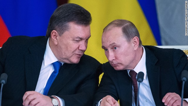 Russian President Vladimir Putin (R) and President of Ukraine Victor Yanukovych attend a Russian-Ukrainian Summit on December 17, 2013 in Moscow, Russia.
