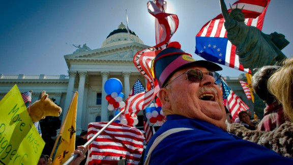 The tea party movement began with loosely knit activist groups, and has become a major player in American politics. It's primarily focused on fiscal issues, but also embraces a range of issues important to conservatives. Click through the following images to learn more about key tea party moments.