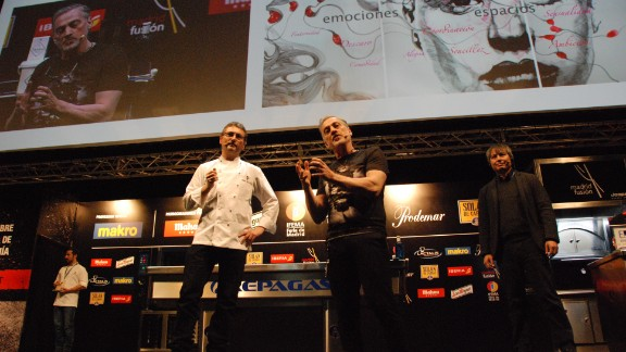 """Dr Cheok (right) is hoping to change this. Alongside chef Andoni Luis Aduriz, he presented the """"<a href=""""http://www.theneweconomy.com/technology/using-mobiles-to-smell-how-technology-is-giving-us-our-senses-video"""" target=""""_blank"""" target=""""_blank""""><strong>world's first digital smell app</strong></a>"""" at the Madrid Fusion 2014 food festival."""