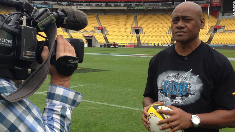 Lomu, who played in Wellington at the end of his domestic career, also presented the February edition of CNN's Rugby Sevens Worldwide show.