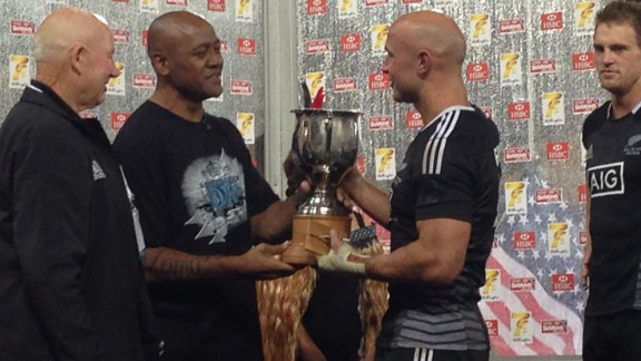 Forbes was presented the trophy by New Zealand rugby legend Jonah Lomu, who was an ambassador for the HSBC Sevens World Series event.