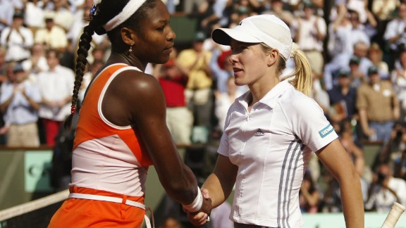 There was a rapid, no-look handshake between Serena Williams, left, and Justine Henin at the French Open in 2003. Henin won the match after a controversial incident on Williams' serve in the third set of the semifinal.