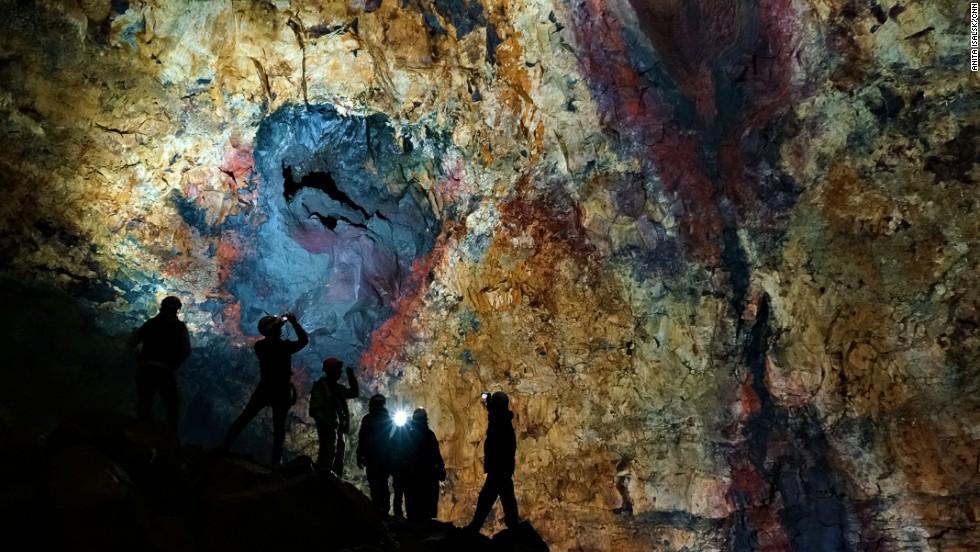 omg-facts-inside-Thrihnukagigur-volcano