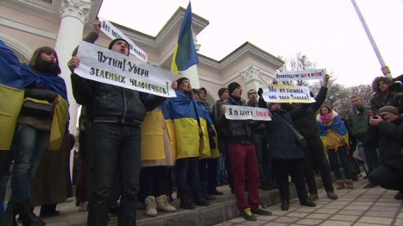ukraine referendum paton walsh pkg_00014729.jpg