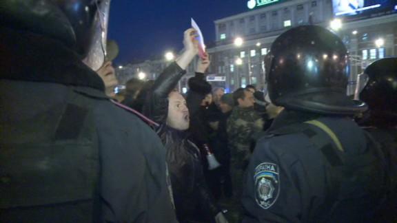 lklv chance ukraine donesk demo_00002915.jpg