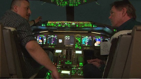nr savidge flight 370 recreation cockpit simulator_00010430.jpg