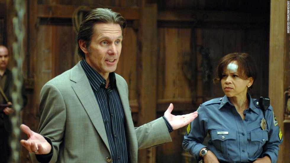"Rosie Perez plays a cop in the comedy ""Pineapple Express."" She described Gary Cole's style of acting as free flowing, yet serious."
