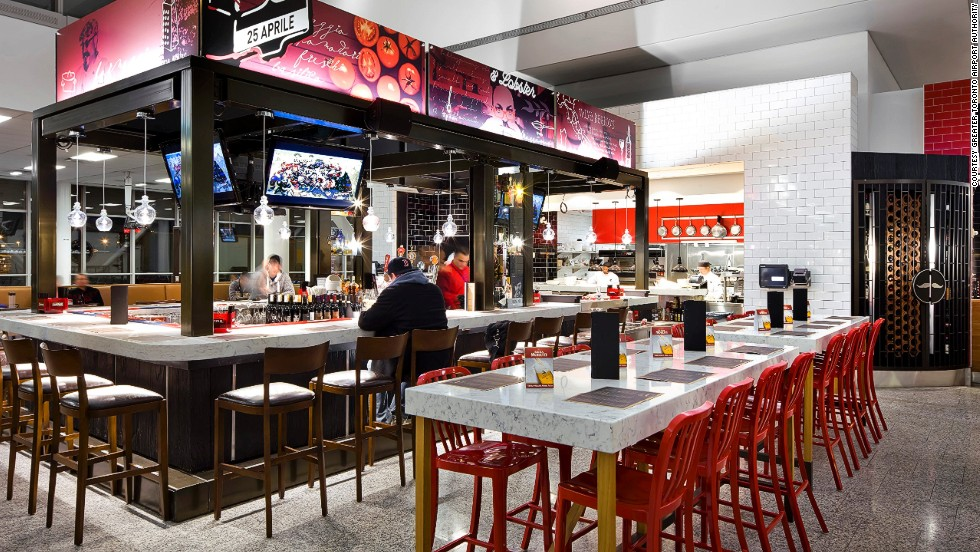 Magnífico Puertas De La Cocina Del Restaurante De Toronto Foto ...