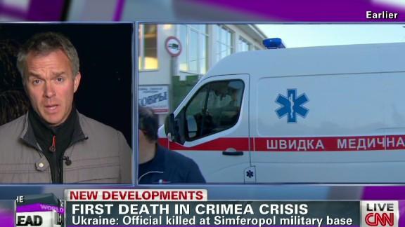 exp Lead vo paton walsh ukraine crimea first death_00002001.jpg