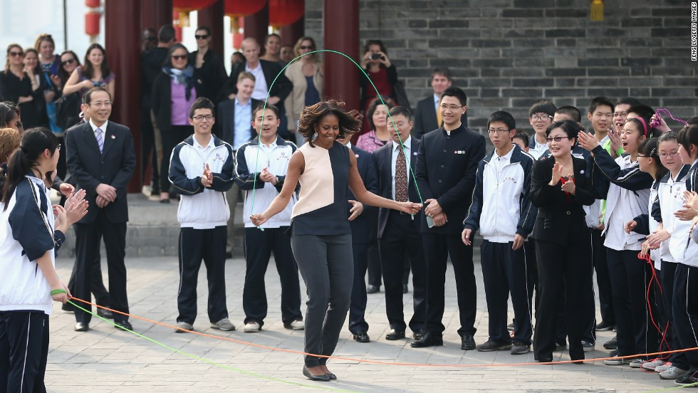 Obama jumps rope with Chinese schoolchildren.
