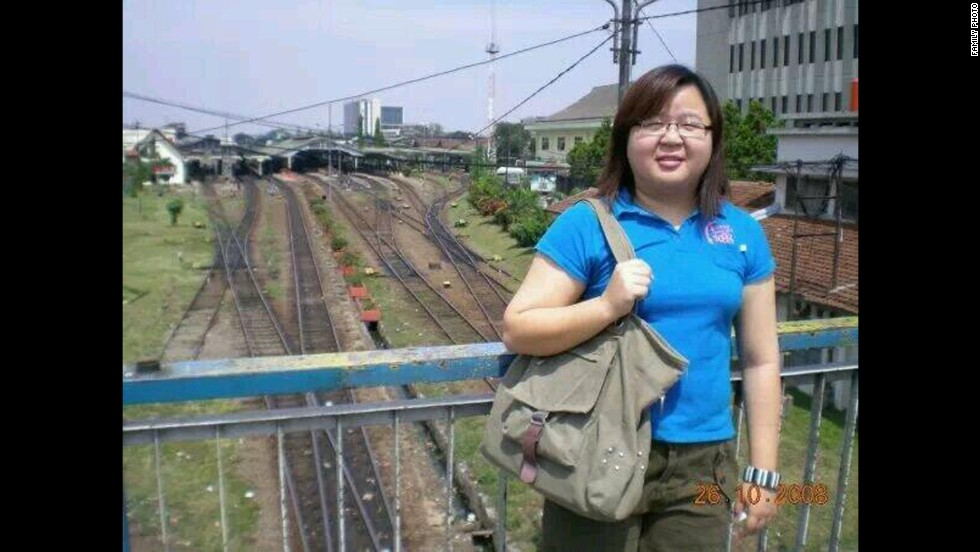 Ch'ng Mei Ling, a Malaysian citizen who lives in Pennsylvania, is a process engineer at a chemical company.