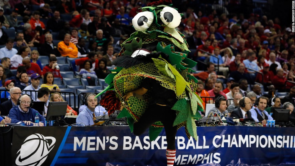 The Stanford Tree mascot performs during an NCAA Tournament game Thursday, March 27, in Memphis, Tennessee.