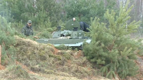 ukraine military karl penhaul lok_00000908.jpg