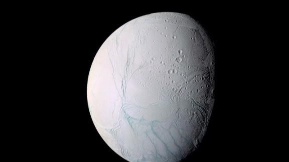 newday vo saturn moon _00003923.jpg