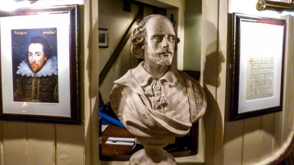 David Perry says students don't need special warnings before reading Shakespeare, whose bust is seen at The Garrick Inn in Stratford-upon-Avon.