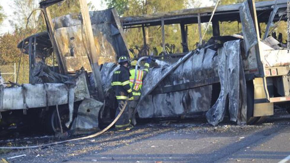 10 killed when truck crosses freeway