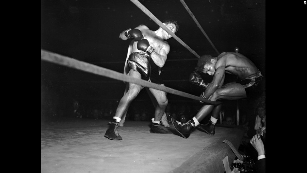 A major early defeat in Robinson's career was against Jake LaMotta on February 5, 1943.  Here, LaMotta knocks Robinson through the ropes in the eighth round.  LaMotta won the decision in 10 rounds to give Robinson his first defeat in 130 fights, 41 of which were pro. It was the only time LaMotta beat Robinson in the six times they fought.