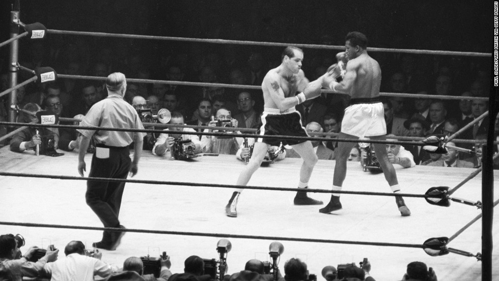 Robinson came out of retirement in 1955.  He regained the middleweight championship when he defeated Bobo Olson on December 9, 1955.