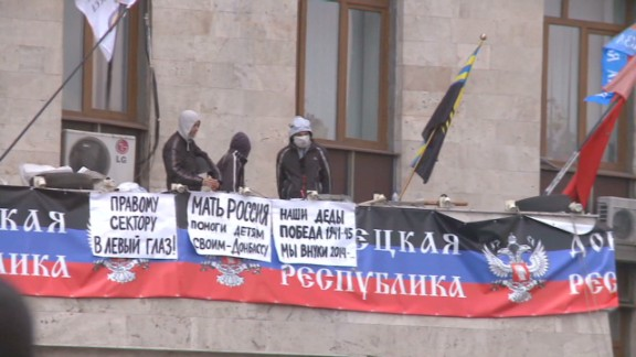 orig npr Russia warns of civil war in ukraine _00003004.jpg