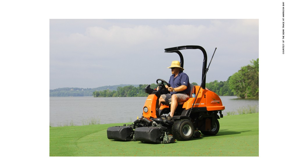 Conservation efforts even extend to the green-keeping tools, with electric-powered lawnmowers being used by Carter and his staff.