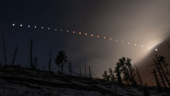 Nate Paradiso created this composite image of the April 15 lunar eclipes, as seen from the foothills of Boulder, Colorado.