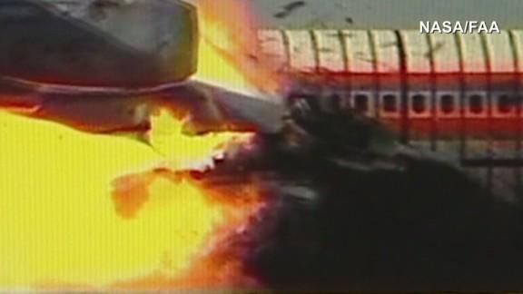 exp erin pkg mattingly malaysia airlines plane debris scenarios_00001804.jpg