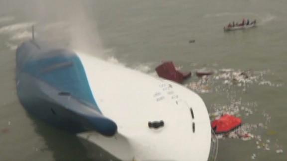 tsr dnt hancocks south korea ferry sinks_00010821.jpg