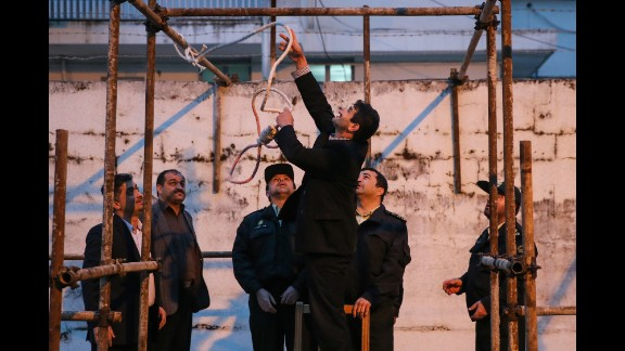 Authorities prepare the noose hours before the execution.