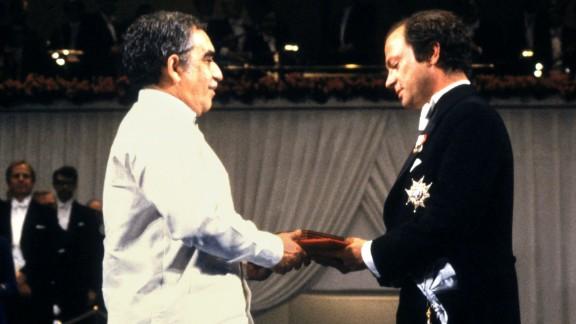 King Carl Gustaf of Sweden, right, presents García Márquez with the Nobel Prize in Literature on December 10, 1982.