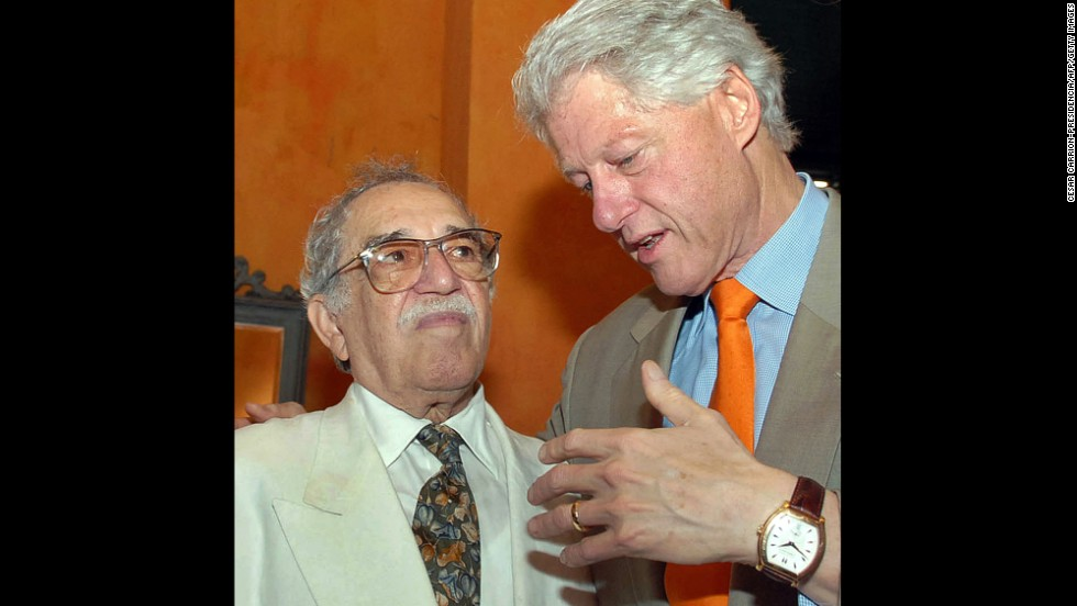 "U.S. President Bill Clinton speaks with García Márquez at the IV International Congress of the Spanish Language in Cartagena, Colombia, in 2007. García Márquez was regularly denied visas by the United States until President Clinton, a fan of ""Solitude,"" revoked the ban."