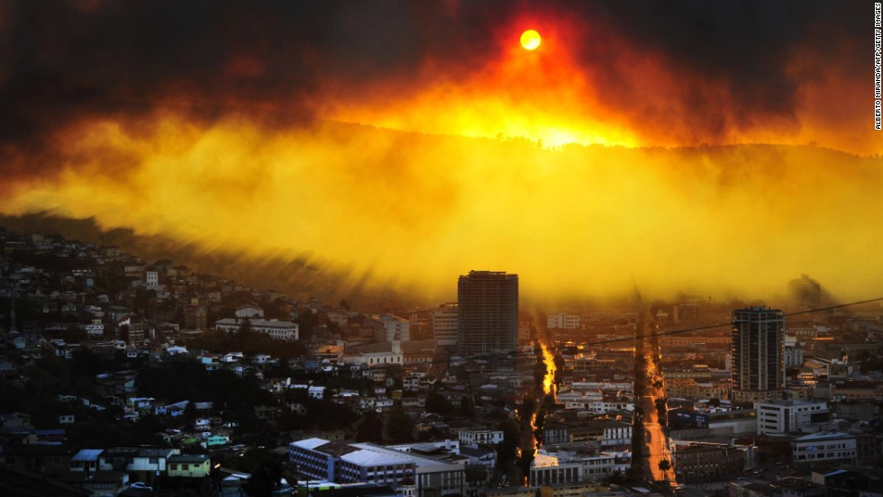 "A wildfire burns in Valparaiso, Chile, on Saturday, April 12. Authorities say the <a href=""http://www.cnn.com/2014/04/13/world/gallery/chile-fire/index.html"">fire in Valparaiso and the suburb of Vina del Mar</a> destroyed hundreds of homes, claimed several lives and forced thousands to evacuate."