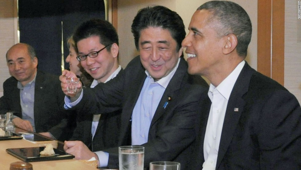 Obama and Abe dine at the Sukiyabashi Jiro sushi restaurant.